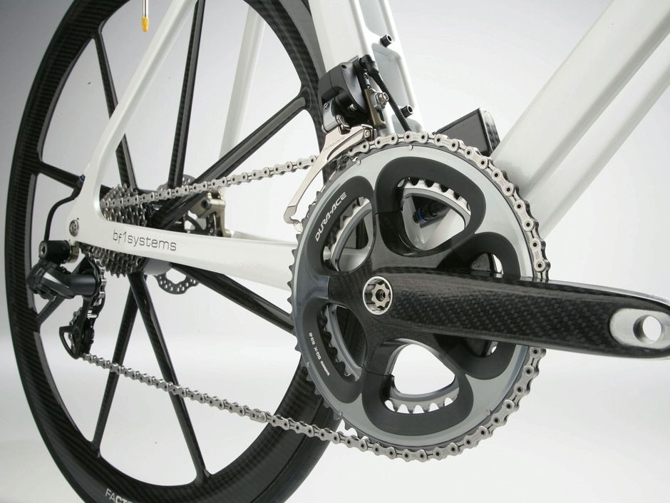BERU F1 Systems Factor 001 carbon brakes (you can sorta see them)