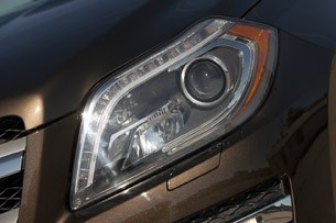 2013 Mercedes-Benz GL450 headlight
