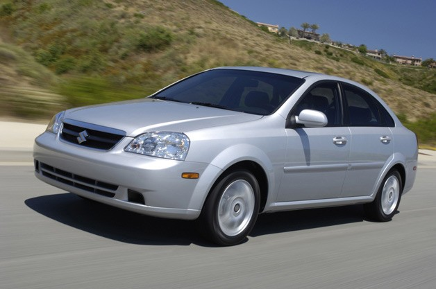 2006 Suzuki Forenza sedan  - silver, front three-quarter view