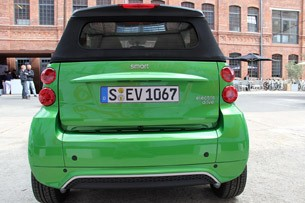 2013 Smart Fortwo Electric Drive rear view