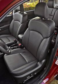 2014 Subaru Forester front seats