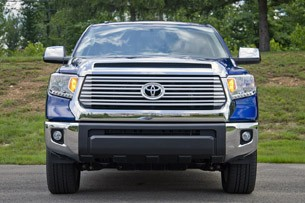 2014 Toyota Tundra front view