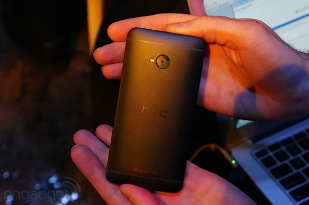HTC One imaging in depth Ultrapixel camera and Zoe Share