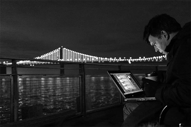 San Francisco's Bay Bridge gets the LED treatment, lights up just in time for Expand
