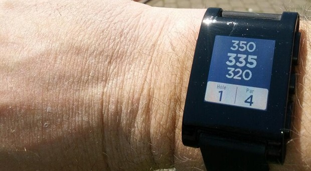 Pebble gets a golf app now, twoway app support within a month