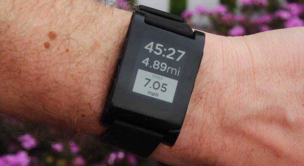 RunKeeper for Android and iOS now talks to Pebble smartwatches