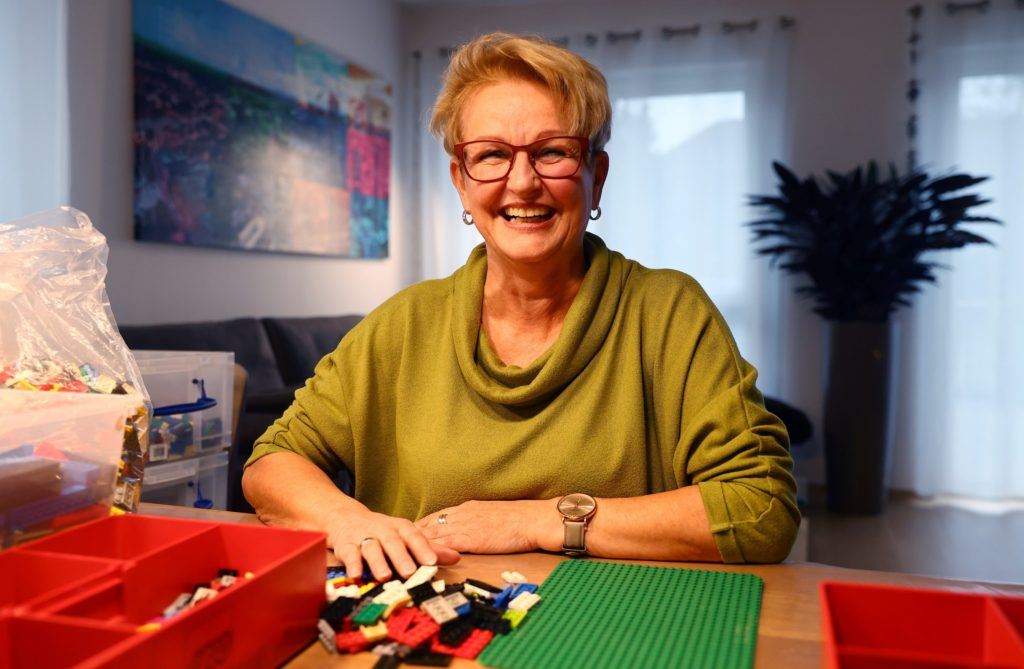 Vovó alemã constrói rampas de Lego para combater a falta de acessibilidade