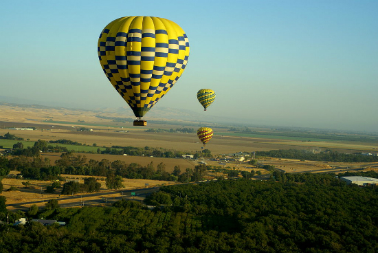 Baloon over Sonoma valley | Foto: Dave Ungar via Wikimedia Commons