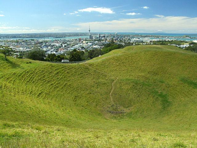 Mount Eden | Foto: Christian Mairoll, via Wikimedia Commons