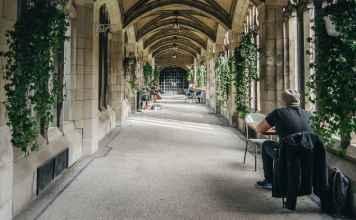 Universidade de Toronto | Foto: Viv Lynch, via Flickr
