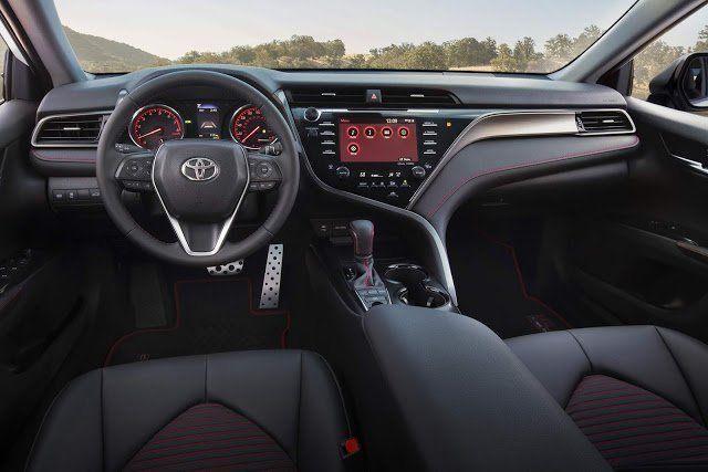 Interior Toyota Camry TRD 2020