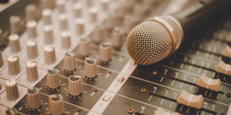diritto di inedito, microfono su mixher