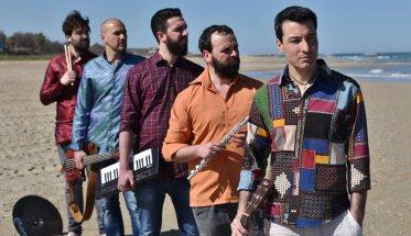 Abetito Galeotta - band sulla spiaggia