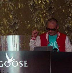 DJ CRO-G alla consolle