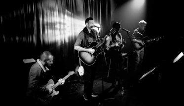 Saul Bertoletti, cantautore live con band