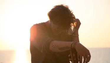 Matteo Codiglione in controluce al tramonto