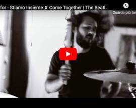 Il batterista dei Nosexfor nella copertina del video Stiamo Insieme (Come Together)