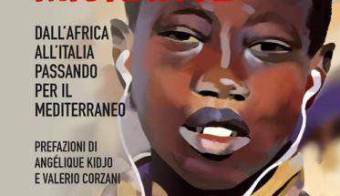 Bambino di colore con le cuffiette sulla copertina del libro di Luca d'Ambrosio: Musica Migrante