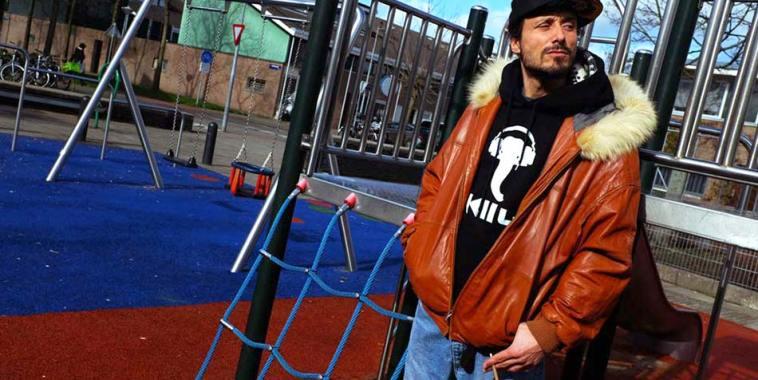 MC SOF in un parco giochi