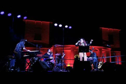 Teresa De Sio con la band
