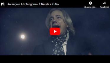 Arcangelo Ark Tangorra in copertina del video di È Natale e io No
