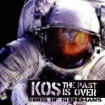 uomo in tuta spaziale in copertina del disco dei KOS Kings of Subhumans: The Past is Over