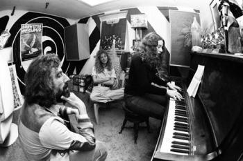 Lou Adler, Toni Stern e Carole King nell'ufficio del primo nel 1971