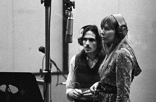 Joni Mitchel e James Taylor in studio