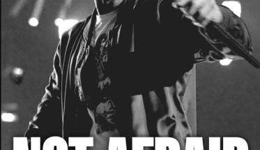 Eminem in copertina del libro Not Afraid, La storia di Eminem