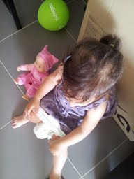 Même la poupée s'y met !
