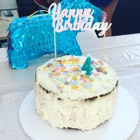 gateau anniversaire pastel