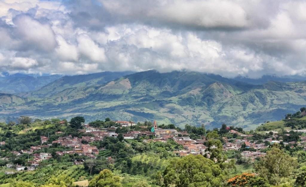Cronicas de Medellin 3: las políticas del café