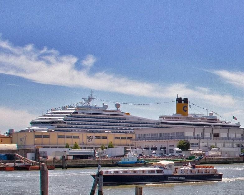 Venecia: más regulaciones y menos cruceros