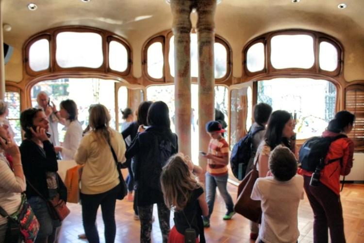 Turistas en Casa Batlló