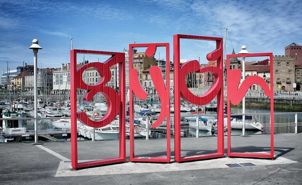 Crónicas de Gijón + Galería de Fotos