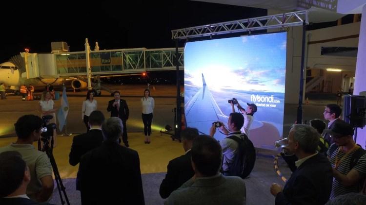 Flybondi - Acto en Paraguay