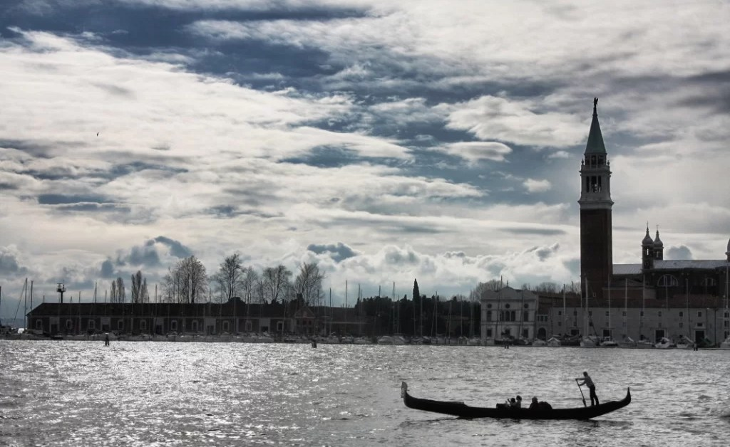 Venecia: ¿se vienen las multas a los equipajes con ruedas?