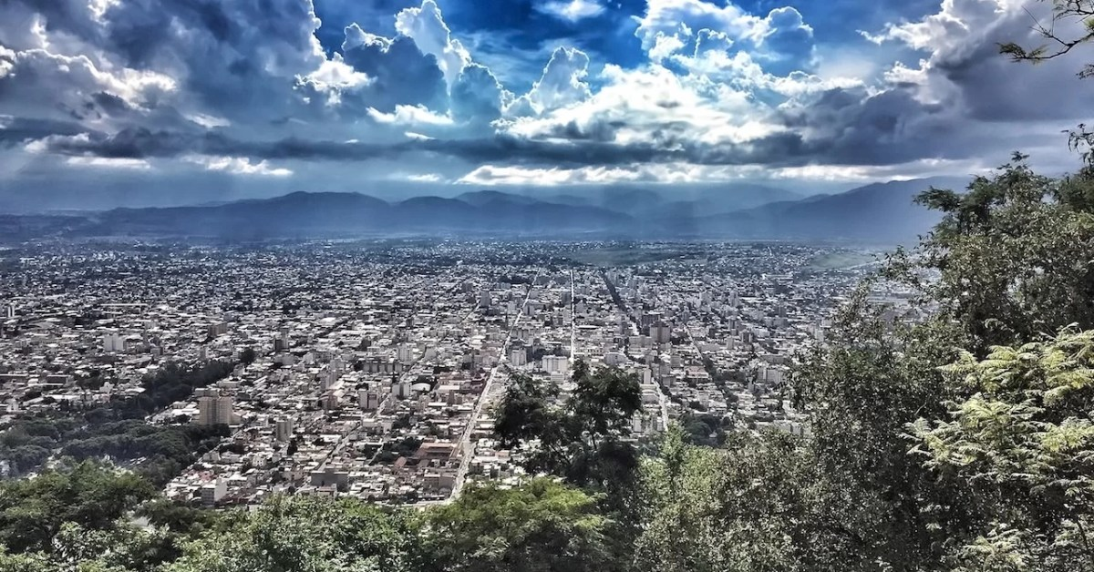 15 horas en la ciudad de Salta