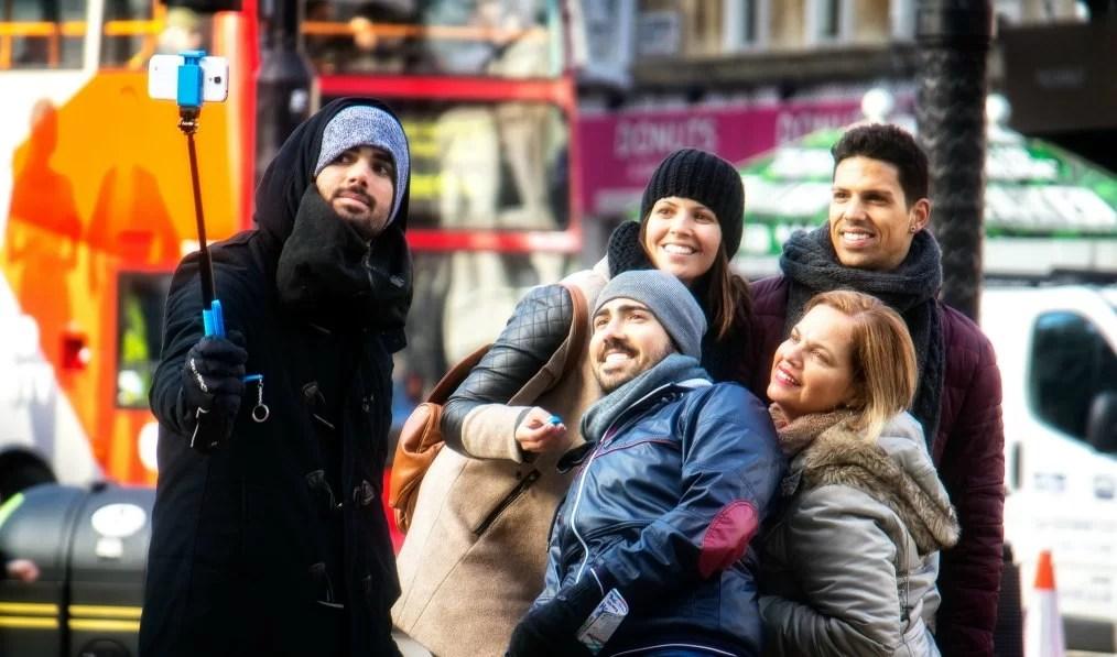 Del monopod al selfie stick: los problemas de una tendencia