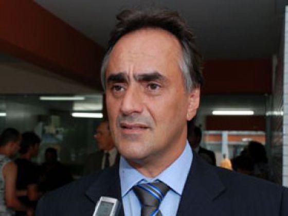Cartaxo sofre acidente durante evento político em João pessoa, mas passa bem