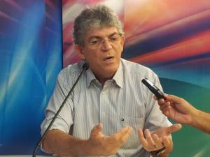 Na Arapuan, Ricardo diz que suspensão do Empreender tem motivação política