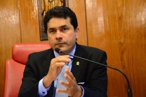 Sob protesto, CMJP aprova voto de aplauso a RC pela não privatização da Cagepa