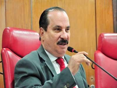 Após discussão acalourada, Durval não diz que não vai permitir molecagem na CMJP