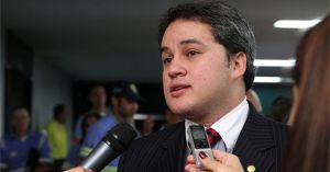 Exclusivo: Efraim Filho convida vereadores insatisfeitos a deixarem DEM