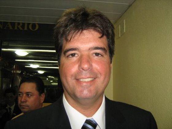 """""""As feridas do passado foram cicatrizadas"""", afirma Ruy Carneiro depois de encontro com Maranhão."""