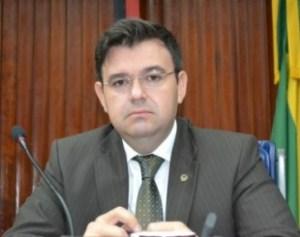 Conforme antecipado pelo Blog, Raniery Paulino é o novo líder da oposição na ALPB