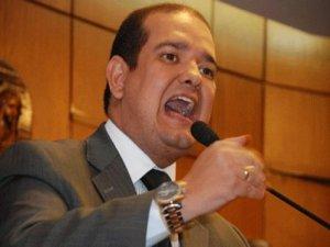 Bruno Farias endossa discurso de Nonato e diz que articulação de Cartaxo não tem tato político