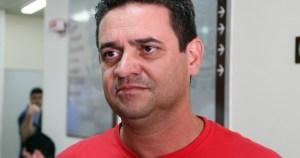 """""""Tardia, porém inevitável"""", diz charliton Machado sobre prisão de Eduardo Cunha"""