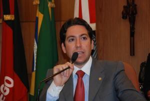 Acordo: Lucas de Brito vai se licenciar para disputa estadual e Felipe Leitão retornará à CMJP