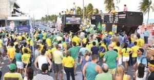 Manisfestantes contra e a favor do impeachment realizam atos em JP e CG no fim de semana